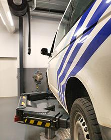 <p>AUTOP tweelinghefbrug BigLift 5 T welke VW bestelwagens correct en stabiel kan opnemen (eveneens 6,5 T versie met zwenkarmen leverbaar).</p>
