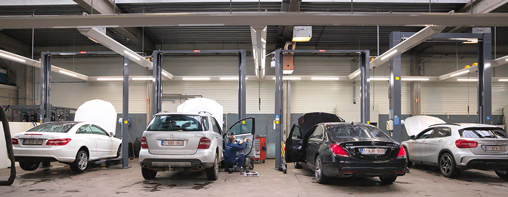 <p>Stertil Koni SK2030 2-palenhefbruggen werkzones individueel verlicht</p>