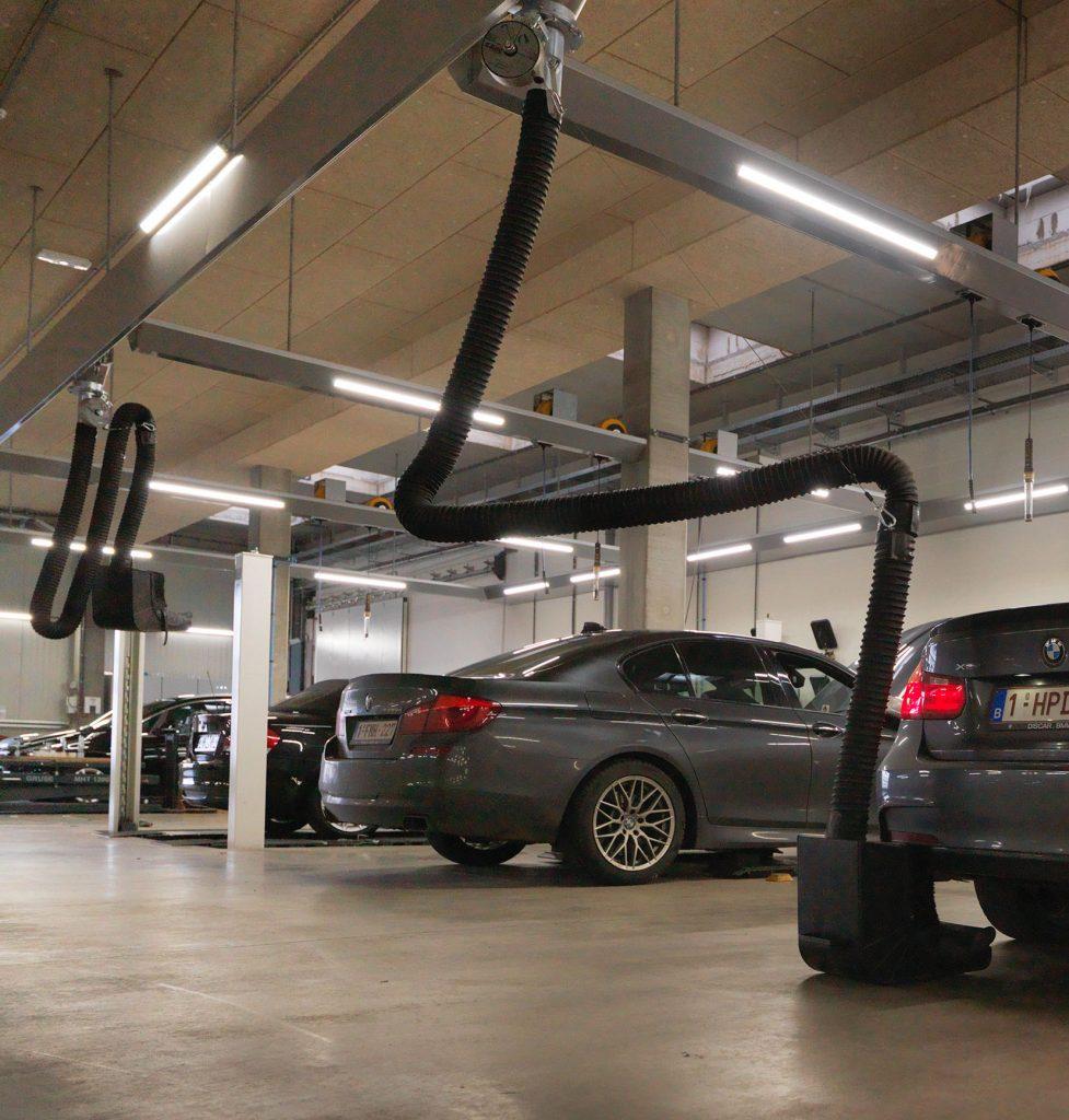 <p>S-tec SLS. <br />Hoe de uitlaat er ook uitziet of waar ook verborgen, met het SLS uitlaatgassysteem zijn zij bereikbaar zonder risico op voertuigbeschadiging.</p>