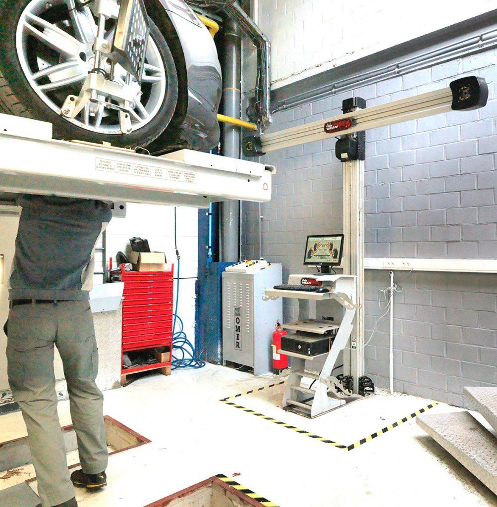 <p>Wieluitlijning 3D van John Bean, zoals gebruikt door de Belgische Automobielinspectie.</p>