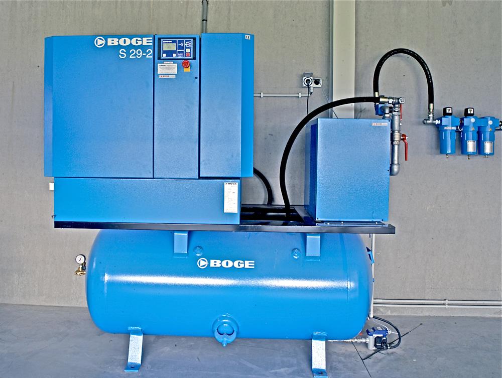 <p>Boge: 22kW/30 pk compressorunit met persluchtdroger en lijnfilters.</p>