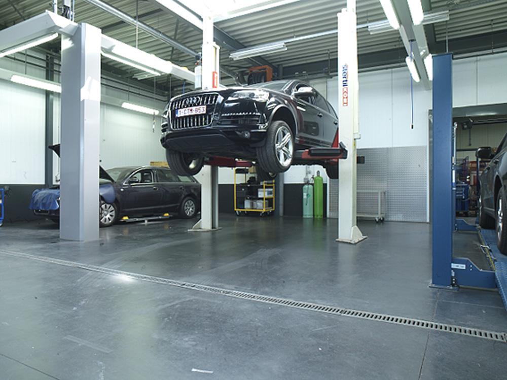 <p>Stertil Koni 5 ton tweepalenhefbrug voor extra zware, speciale voertuigen.</p>