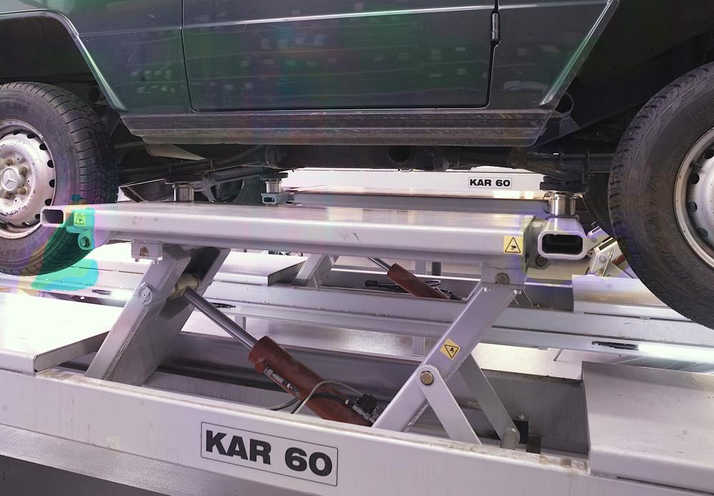 <p>Uniek! Voor het 4 T sterke wielvrijsteem bestaat een opnameset voor bestelwagens van type Sprinter/Crafter (optie - niet afgebeeld)</p>
