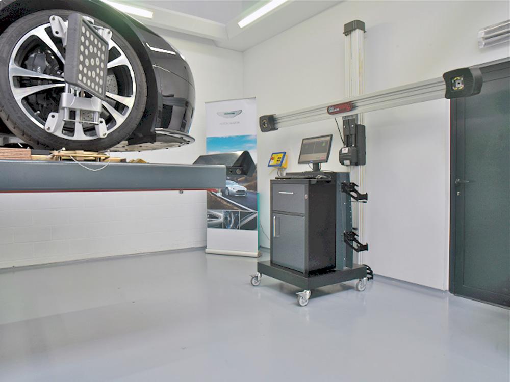 <p>John Bean 3D wieluitlijner met elektrisch in de hoogte verstelbare camera's.</p>