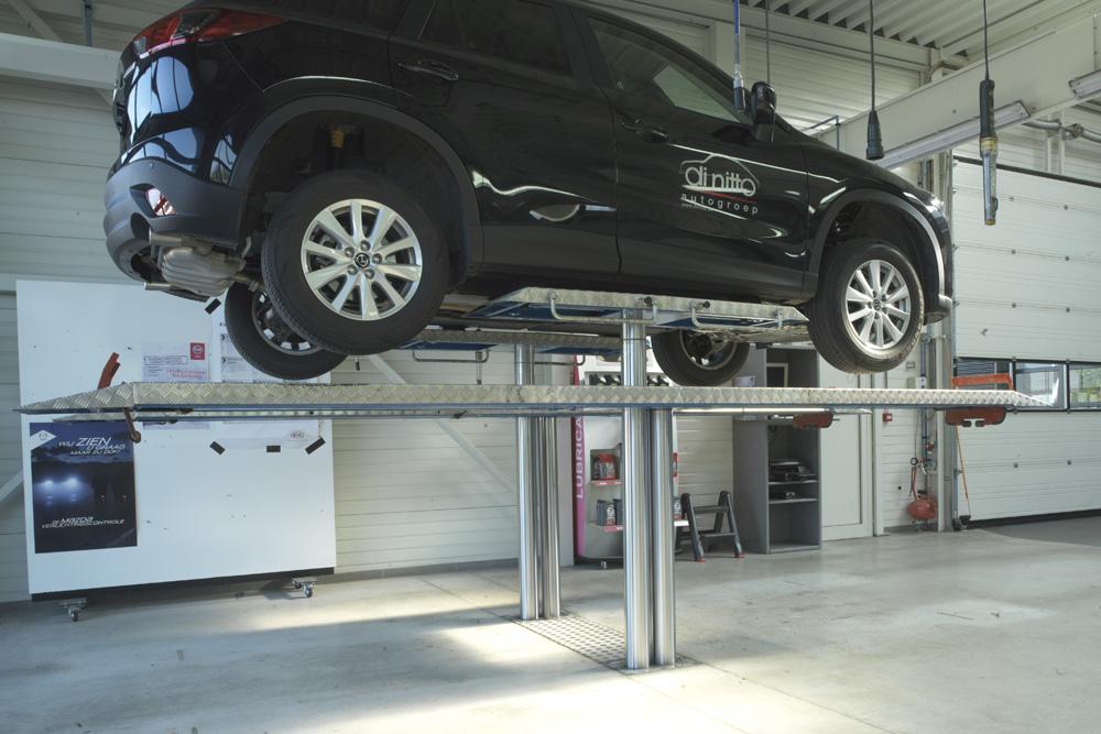 <p>Autop Combi Checq In - deux ponts en 1!<br />Avec chemins de roulement: hauteur de levage 1,92 m. <br />Système roues libres Pv: hauteur de levage 2 m.</p>