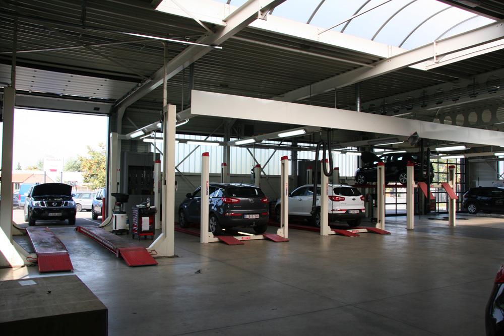 <p>Ponts récupérés + nouveaux ponts Stertil Koni de 4 à 10 T, lesquels permettent de travailler sur tous types de véhicules des 4 marques automobiles.</p>