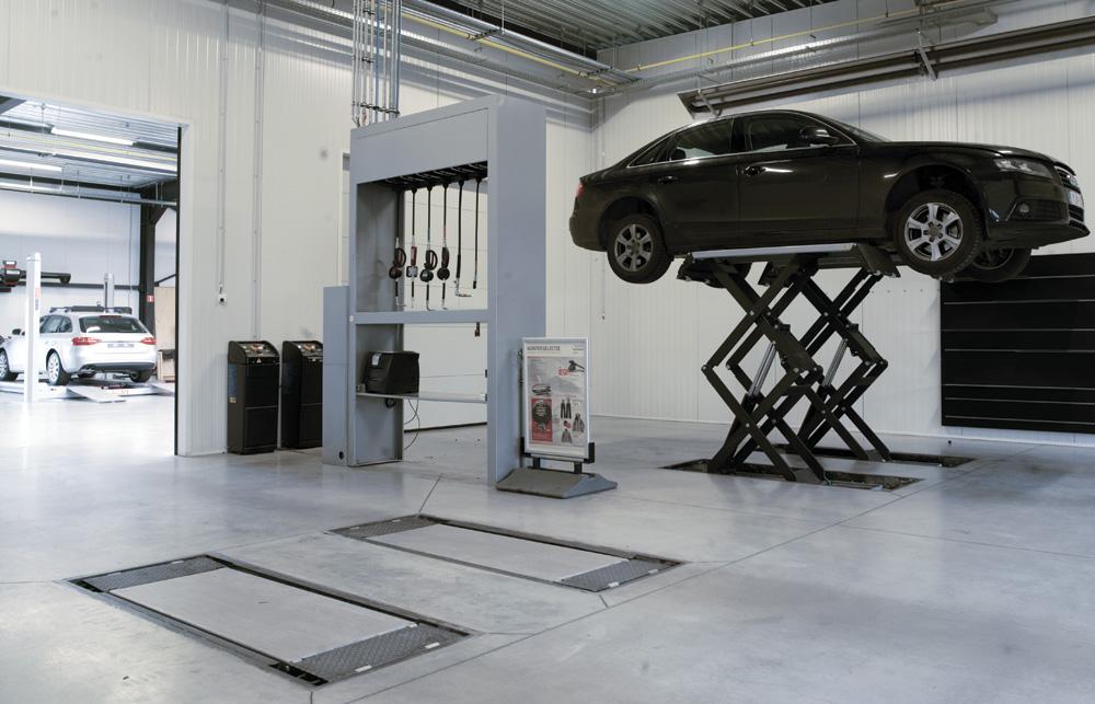 <p>Werther – ponts à ciseaux, conformes aux prescriptions d'Audi – capacité 3,5 T.</p>