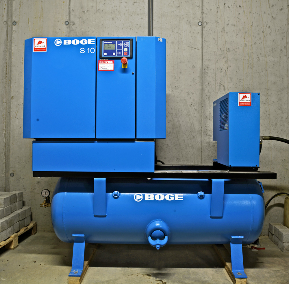 <p>Boge<br />Hoogwaardige schroefcompressorcentrale en persluchtdroger.</p>