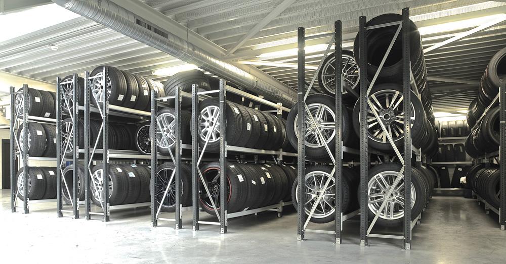 <p><strong>Porsche Centre Knokke-Heist</strong></p>