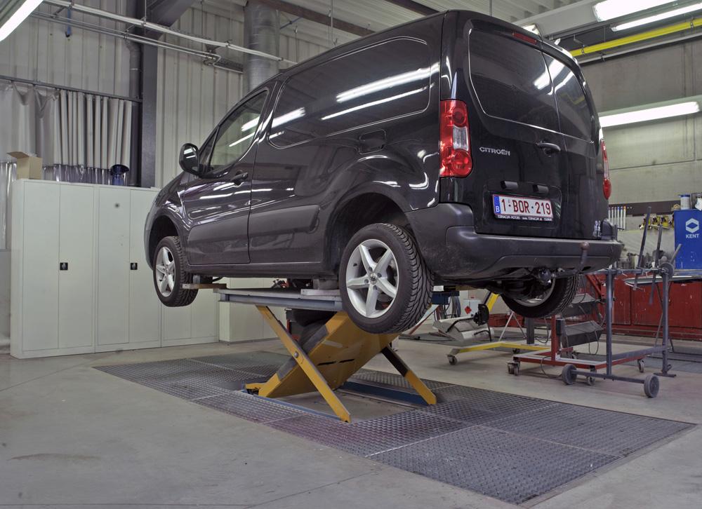 <p>Herkules carrosseriehefbruggen zorgen voor werk in ergonomische omstandigheden wat de kwaliteit van het werk ten goede komt.</p>