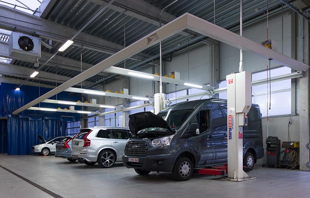 <p>Een 5,5 T sterke <strong>Stertil Koni</strong> 2-palenhefbrug voor de Ford Transit reeks.</p>