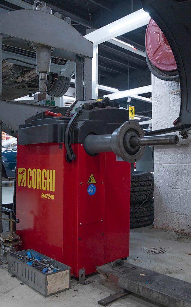<p>Wielbalancer<strong> Corghi EM 7240</strong></p>