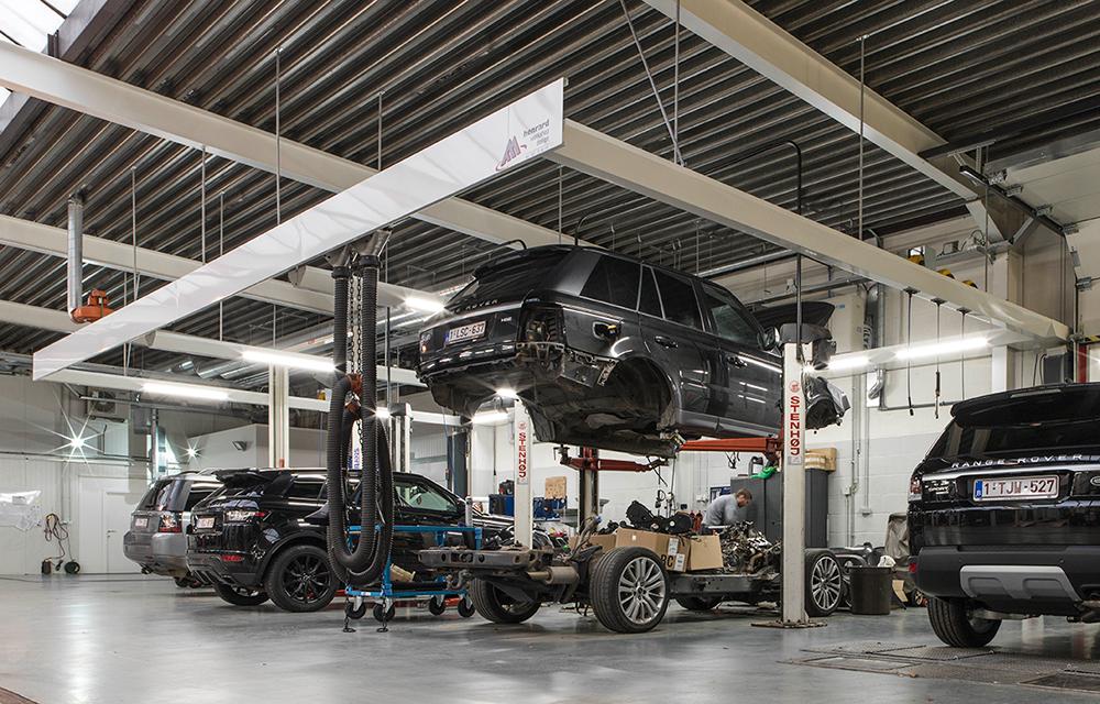 <p>Handig is de <strong>Stenhoj</strong> 2-palenhefbrug wanneer chassis van het koetswerk dient gescheiden te worden.</p>