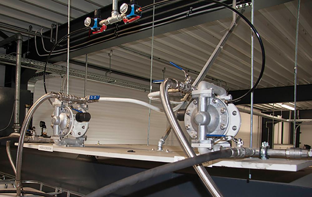 <p>Voor het verpompen van vloeistoffen voor ruitensproeiers, koelsystemen, ... zijn membraanpompen de aangewezen oplossing.</p>