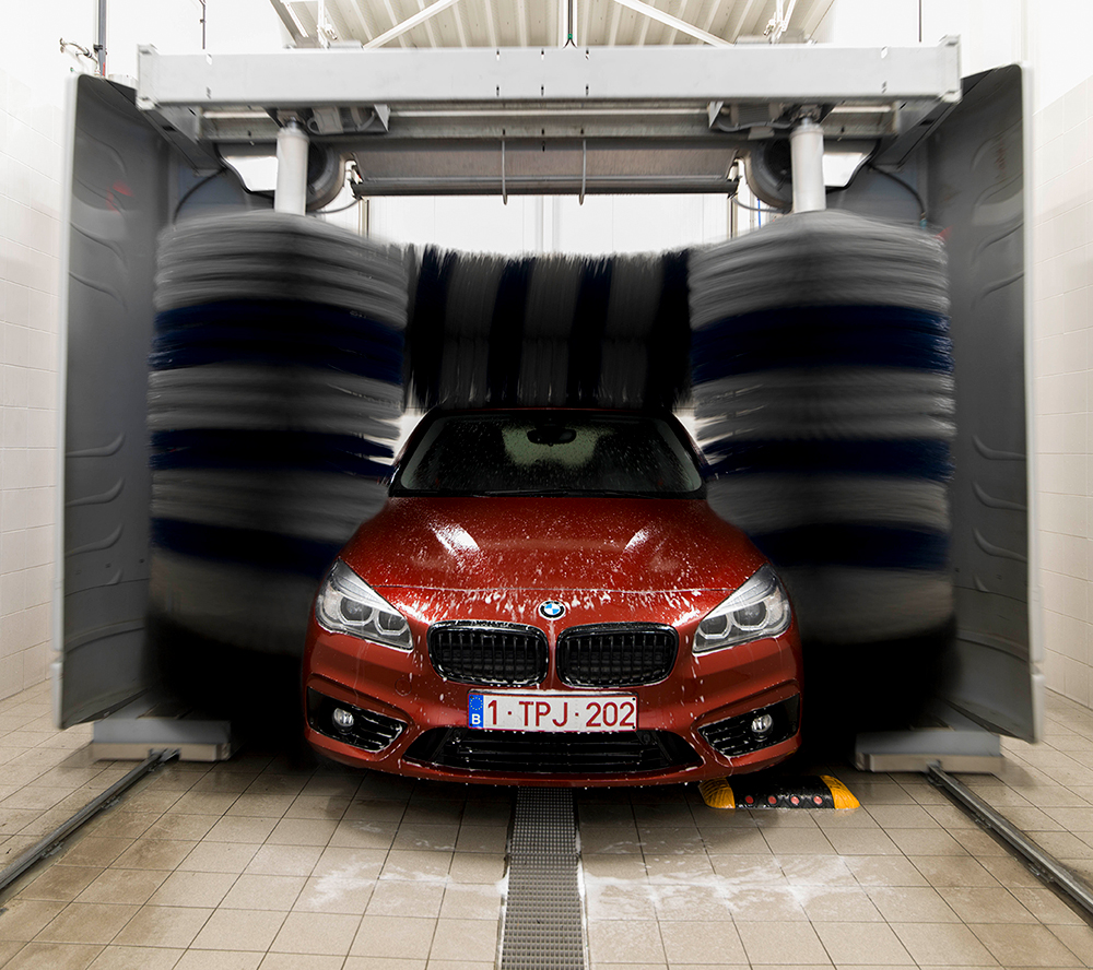 <p>3 borstel Car Wash met droging.</p>
