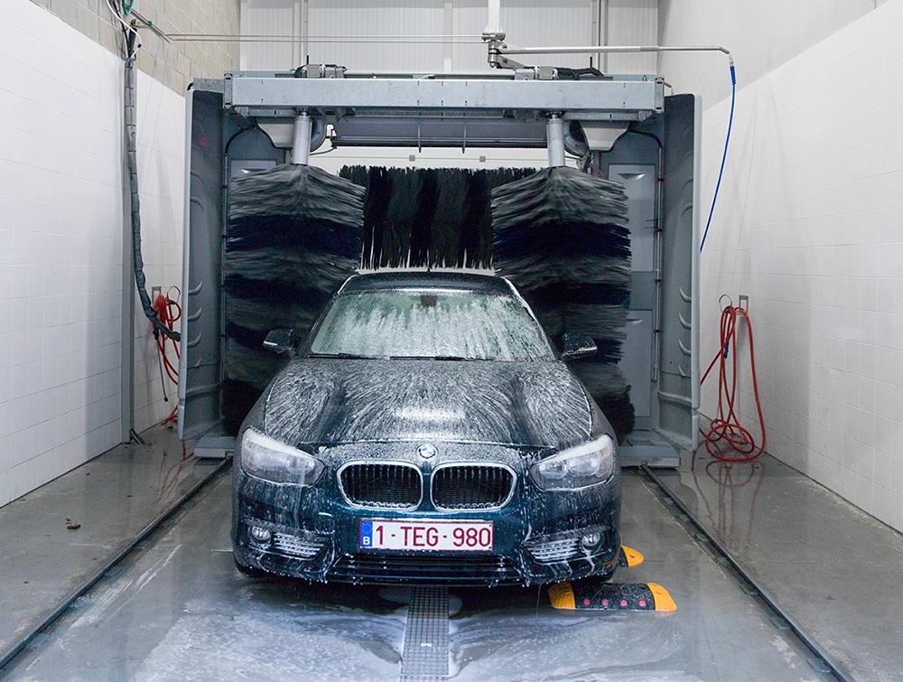 <p>Niet 1 maar 2 Car Wash toestellen met droging zorgen ervoor dat elk voertuig er continueel netjes uitziet.</p>