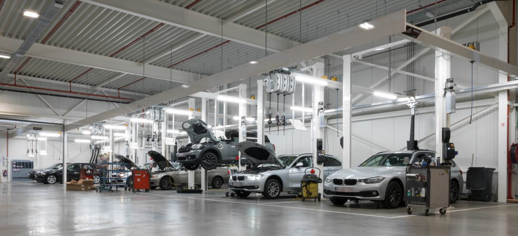 <p>12 2-palenhefbruggen - uitvoering BMW<br /><strong>Autop-Stenhoj - Magnat 3,5 ton</strong></p>