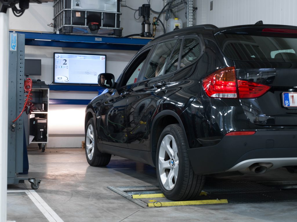 <p>Volautomatisch diagnosestraat - met BMW homologatie<br /><strong>Beissbarth</strong></p><ul><li>remmentestbank</li><li>Eusama ophangingstester met module voor het opsporen van parasietgeluiden</li></ul>