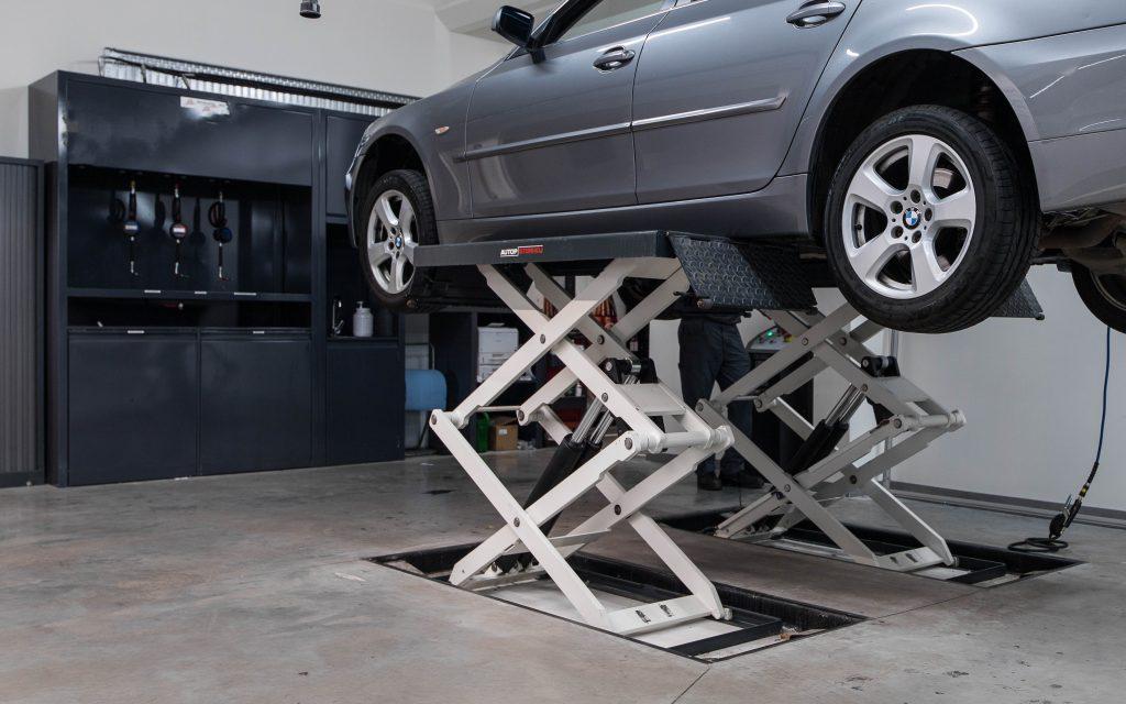 <p>Schaarhefbruggen - versie BMW<br /><strong>Autop-Stenhoj - 3 ton</strong></p>