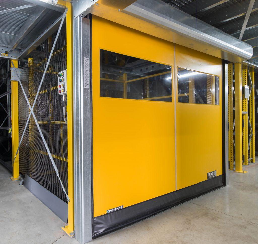 <p><strong>Omer Mono 10</strong>⇒ 2 goederenliften <br />Met automatische poorten voorzien van veiligheidssloten</p>
