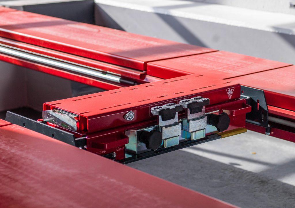 <p><strong>AC</strong> pneumatische schaarbrugkrik<br />Rijbanen voorzien van een efficiënte en energiezuinige LED verlichting</p>