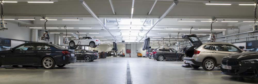 <p>Elke werkplaats biedt de technieker <em>alles bij de hand</em>. <br />Arbeid verloopt zowel vlot, binnen de vastgelegde tijdmarges en in ergonomische en comfortabele omstandigheden.</p>