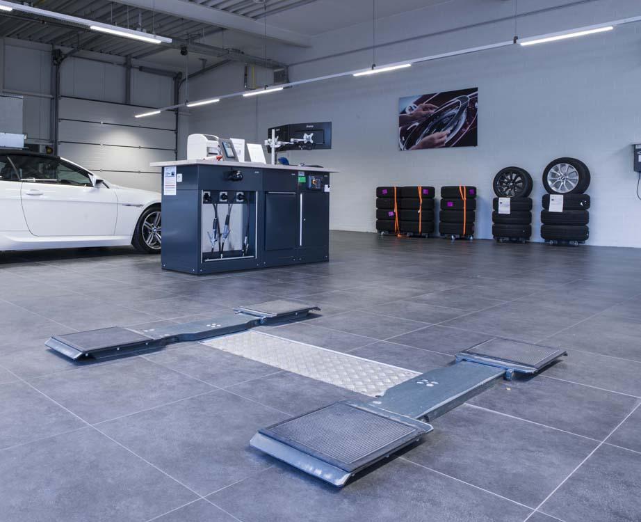 <p>De Directe Receptie werd uitgerust met 2 <strong>AutopStenhoy</strong> tweelinghefbruggen met opnamechassis volgens BMW normen.</p>