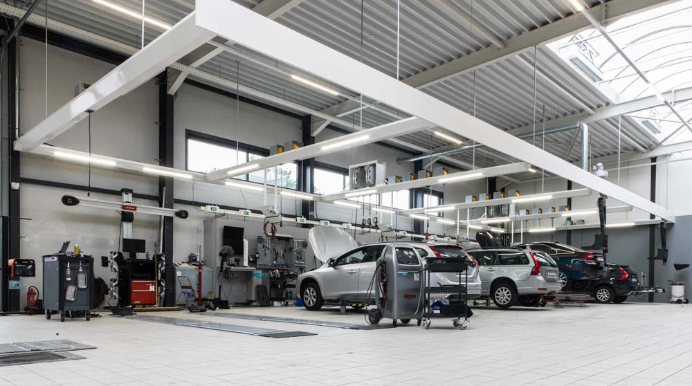 <p>Het <strong>Volvo Personal Service</strong> programma stelt o.m. dat techniekers in teamverband werken en de meeste werkzaamheden binnen een uur afwerken.<br />Hiervoor is een uitgebreide uitrusting <i>binnen handbereik </i>een bepalende factor.</p>