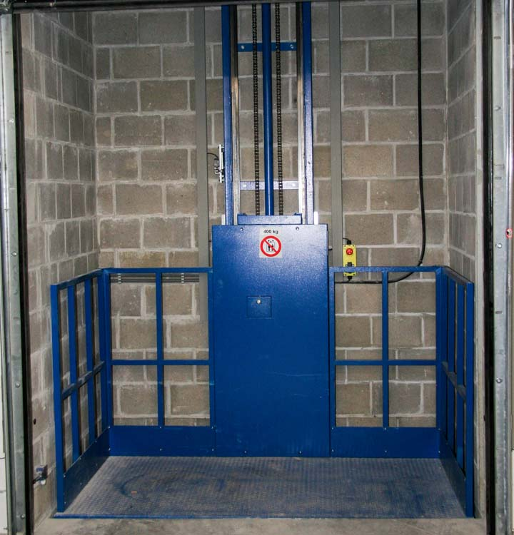 <p><strong>Hidral</strong> hydraulische goederenliftlift.</p>