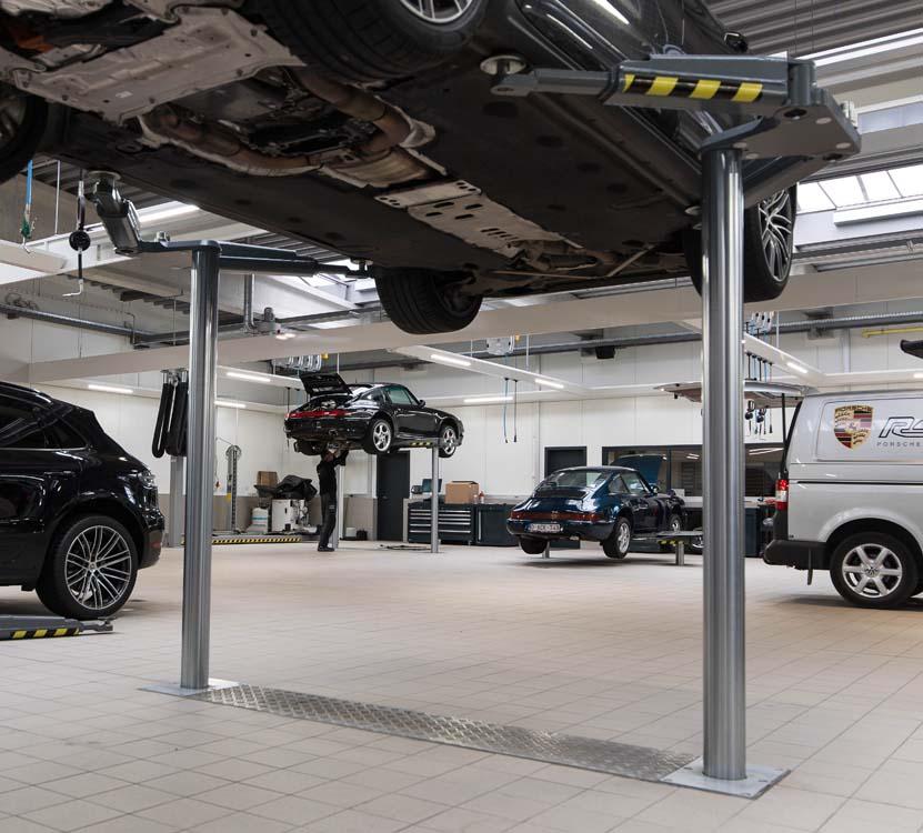 <p><strong>Masterlift 2.35 Saa 260 Sport</strong> tweelinghefbruggen bieden maximale vrijheid en werkcomfort. <br />De opnamewijze is zodanig universeel dat ze eveneens op toekomstige voertuigtypes toepasbaar zal blijven.</p>