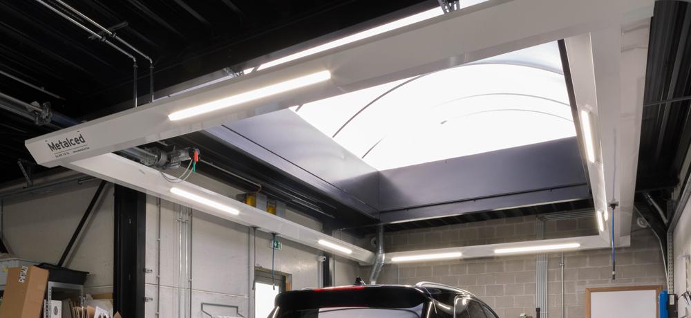 <p>Friesconstructies met verlichting en energieverdeelpunten</p>
